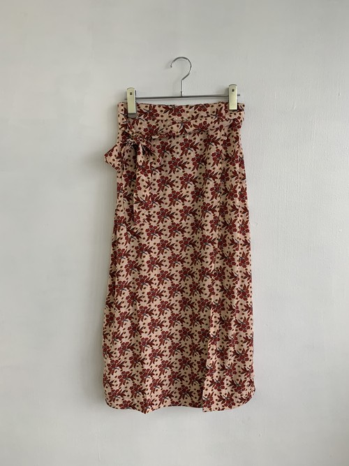 MAISON ANJE  Flower Slit Skirt