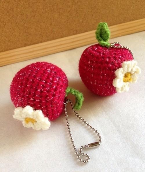【受注生産】ラメ入り 花付き赤りんご/ボールチェーン