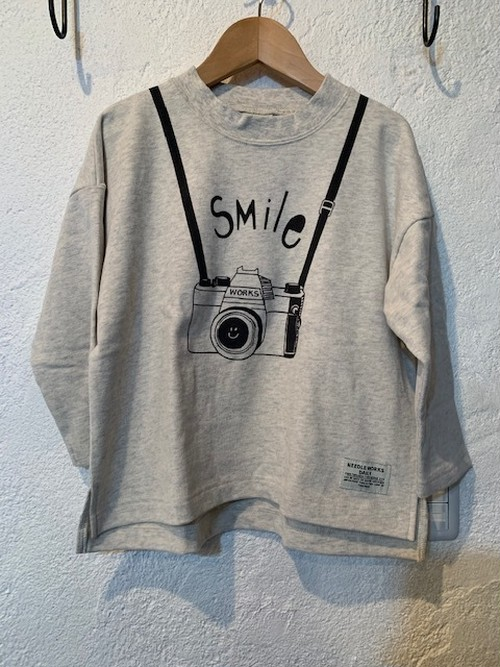 KIDS:NEEDLE WORKS:スマイルカメラドロップTシャツ 80-150㎝