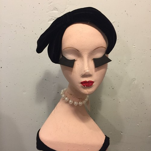 VINTAGE velvet black ribbon headdress