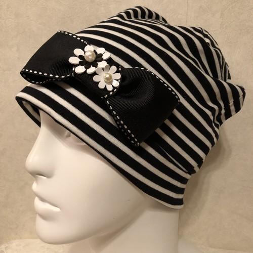 おリボンとお花のケア帽子 白黒ボーダー