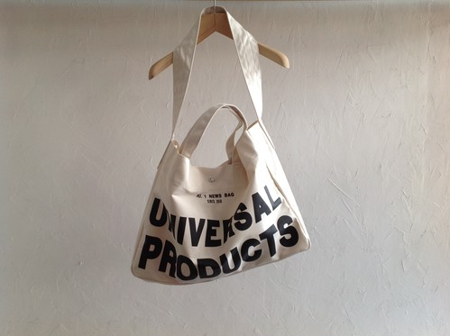 "UNIVERSAL PRODUCTS.""NEWS BAG""WHITE"