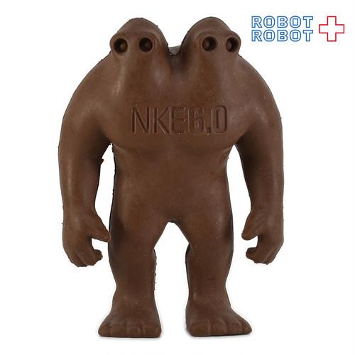 NIKE NKE 6.0 ナイキ 双頭怪人フィギュア 茶色