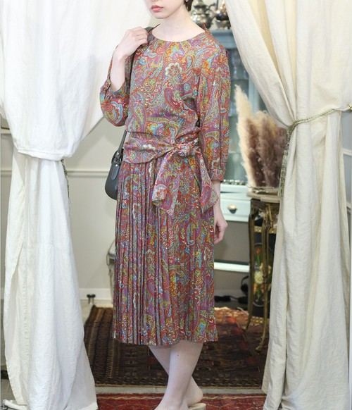 RETRO PAISLEY PATTERNED SET UP/レトロ古着ペイズリー柄セットアップ
