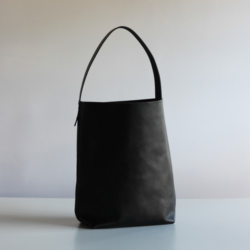 BAGUETTE TOTE-SHRINK LEATHER