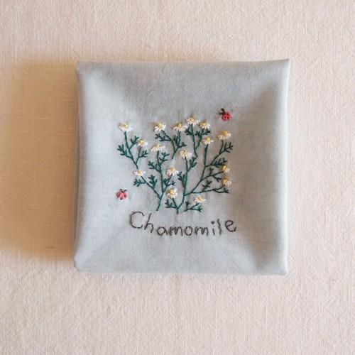 小さな庭【カモミール】| Sunny Thread 刺繍キット