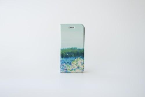 青い空と紫陽花を描いた、手帳型スマホケース