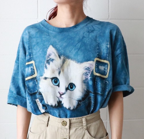 blue over sized cat t-shirt