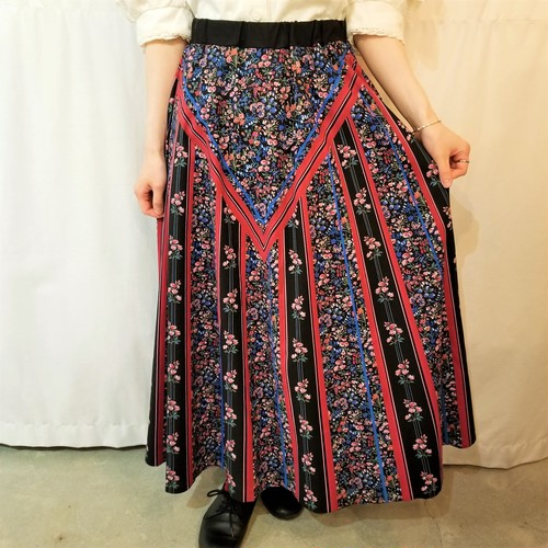 Flower and line pattern flare skirt /Made In Norway[G-760]