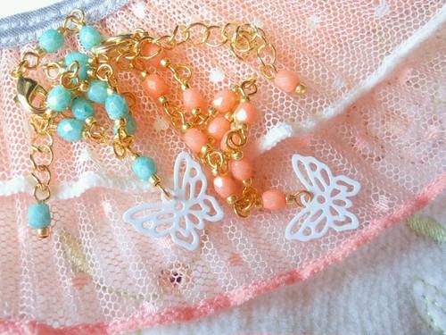 ホワイト蝶とベネチアンFPのドール用チョーカー