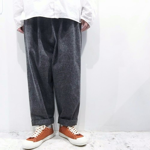 FIRMUM【フィルマム】TWEEDY COTTON HERRINGBONE DOUBLE CLOTH Tapered pants