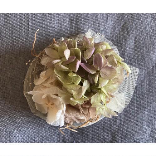 hydrangea × tulle スモーキーカラー コサージュ ヘッドドレス【スモーキーピンク&グリーン】スモーキーカラーの紫陽花とチュール