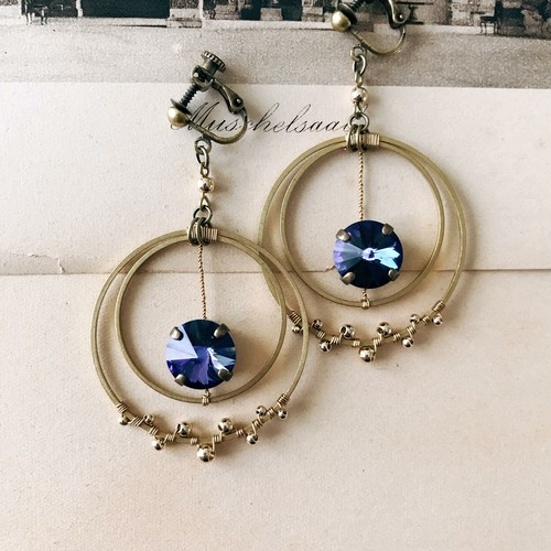 Crescent earrings -small- [heliotrope]