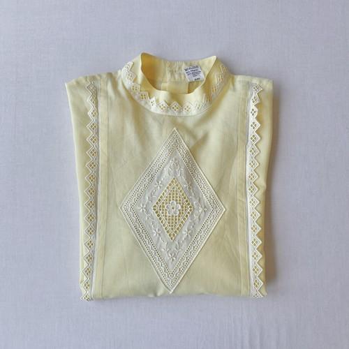 Pastel color lace blouse