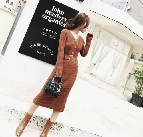 【送料無料】ニットワンピース ニット タイト ウエストベルト 秋色 スカート Vネック 韓国