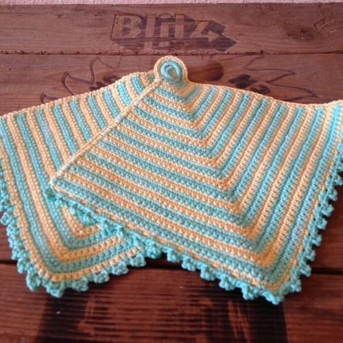 ヴィンテージ 手編みの鍋つかみ2枚セット パステル