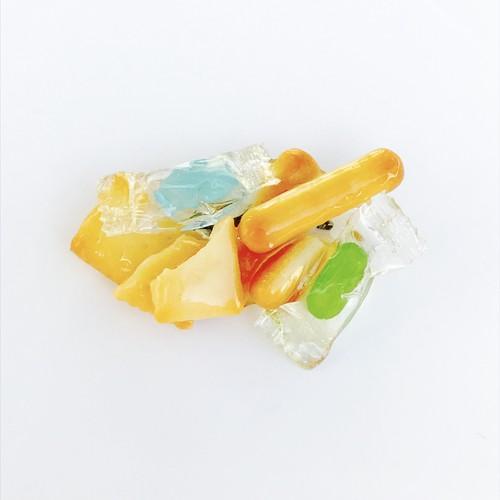 キャンディとビスケットのコラージュブローチ