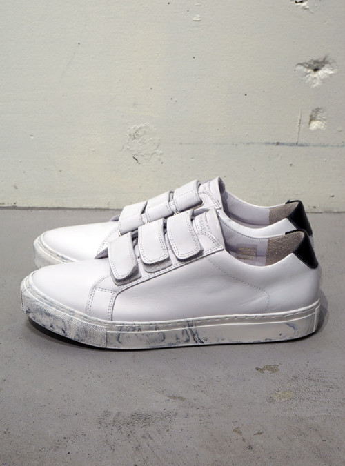 BORN//RAISED BR Bent Velcro marble ホワイト