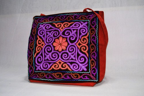 カザフ刺繍のかばん