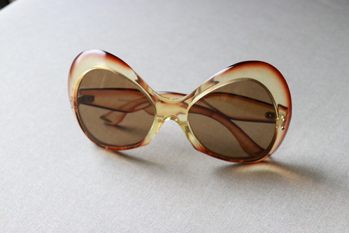 70's butterfly sunglasses