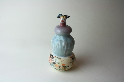 あぶない少女の徳利 /青磁 /酒器 /陶芸 / ceramic art /love pottery