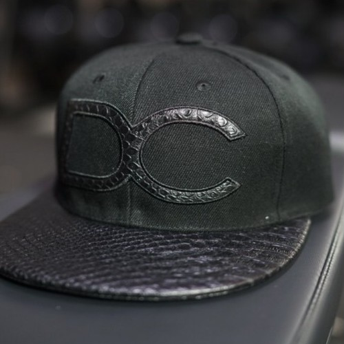 BODY ENGINEERS Dream Chaser Snapback – BLACK REPTILE