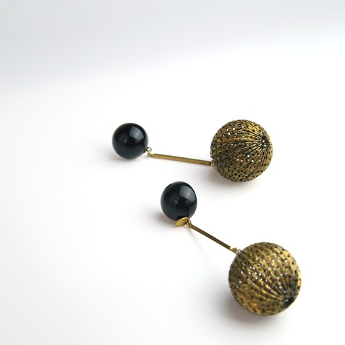 Mesh ball earring L-049