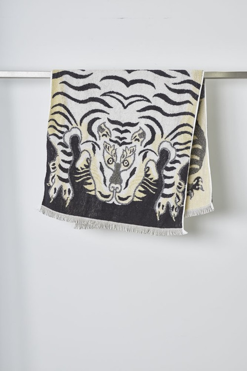 (CAL O LINE) TIBETAN TIGER BLANKET TOWEL