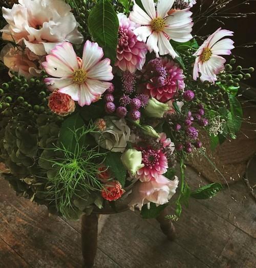 Bouquet rond avec dahlia(ダリアの丸いブーケ)