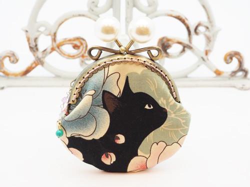 気持ち華やぐがま口ポーチ コインケース 黒猫と牡丹 [アイボリー] (口金8.5センチ)