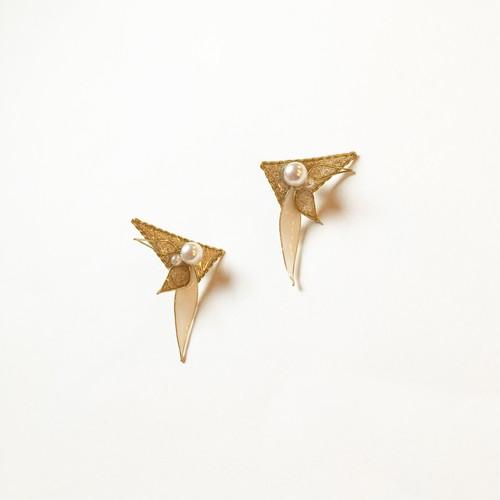 三角×花びらピアス ver.2 (14kgfピアス)