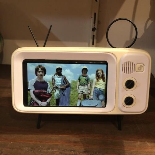 Retro TV Smartphones Stand~送料無料
