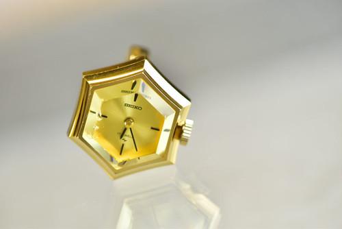 【ビンテージ時計】1977年8月製造 セイコー指輪時計 イエローカットガラス(カケあり)が綺麗な6角フェイス