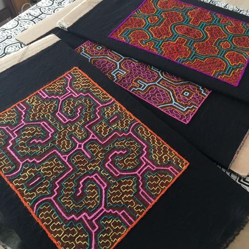 泥染め刺繍30x40 カラフルシリーズ ピンク