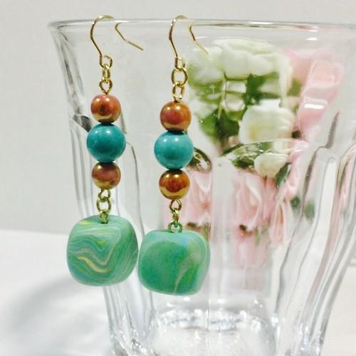 スクエアピアス(clay accessory)緑