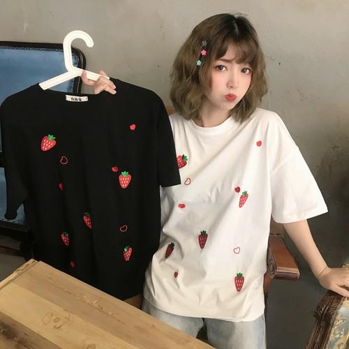イチゴ刺繍がかわいい半袖Tシャツ