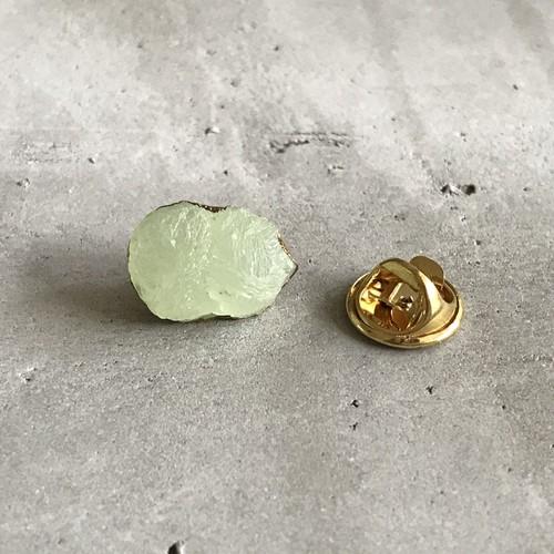 プレナイト原石 ピンブローチ