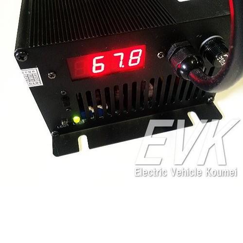 充電器(Li−Fe)72V10A電圧/電流表示