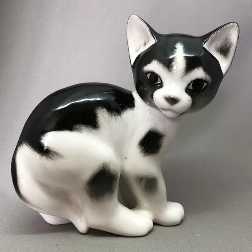 新品 Imperial Porcelain 白黒 ブチ猫 猫 IP279