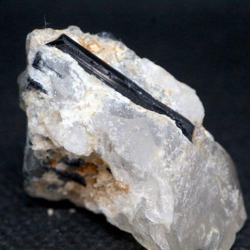 ブラックトルマリン 水晶 クリスタル クォーツ カリフォルニア産 19,9g T171  鉱物 天然石 原石 パワーストーン