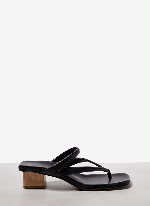 SQUARED SANDALS WITH WOOD HEEL