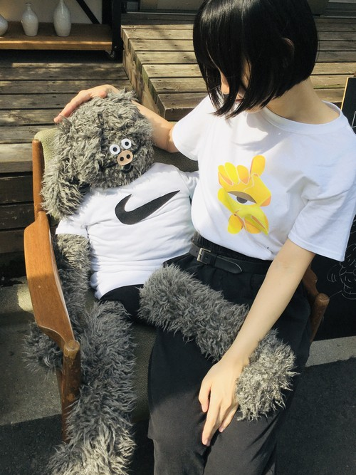 U Tシャツ 目・黄色