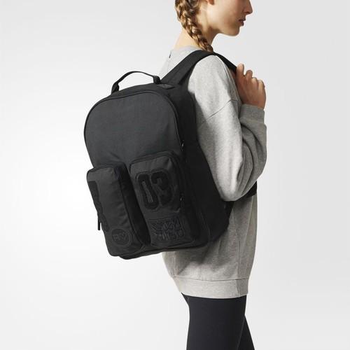 (アディダス オリジナルス) adidas Originals BQ8126 BACKPACK CLASSIC BADGES オリジナルス リュック バックパック BLACK