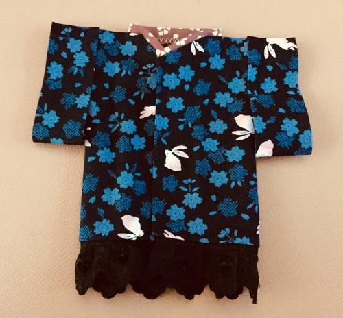 藍の桜とうさぎの着物 L