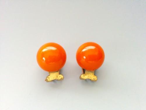 ベークライト オレンジボール クリップイヤリング