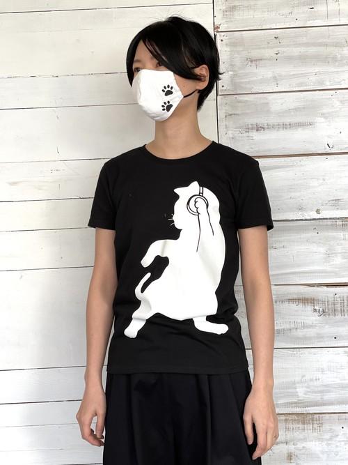 Black/White ヘッドホンしてるけど意味がないDjネコTシャツ