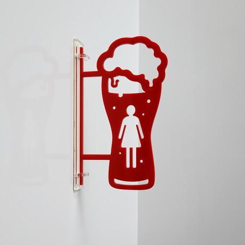 女子(赤) ビール型トイレサイン アクリル製 【送料無料】壁付けサイン付