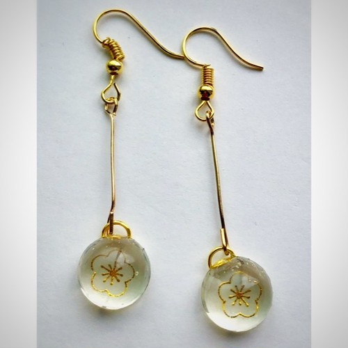 和風 ひと粒ピアス 金の梅 Japanese style one drop earrings Gold plum flower