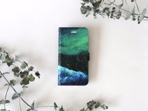星空と緑の山の、手帳型スマホケース|受注制作