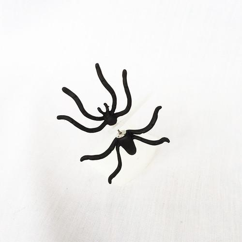 蜘蛛 クモ くも ブラック 黒 BLACK ピアス 1853